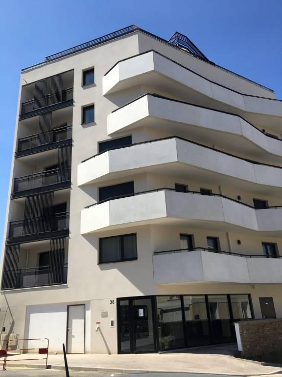 Issy Les Moulineaux - STUDIO NEUF -