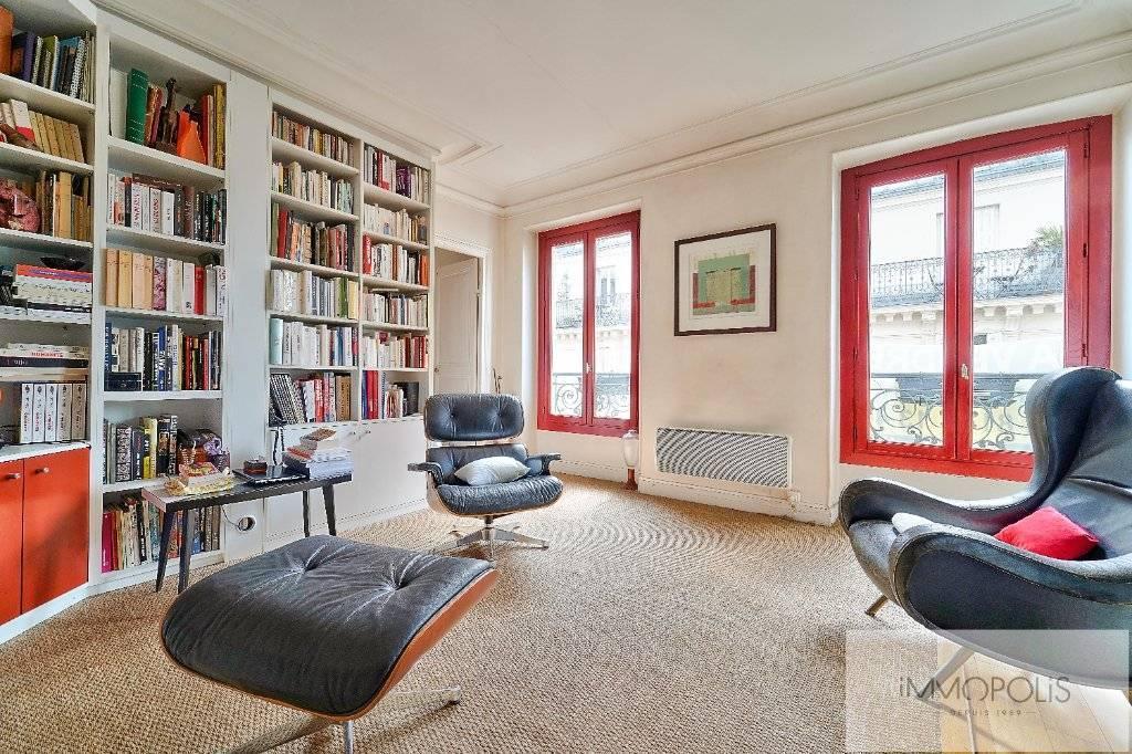 Rue d'Orsel appartement familial de 67 m2