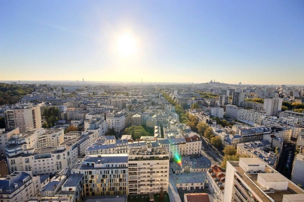 PARIS XIX /  4 Pièces Vue sur tout PARIS !