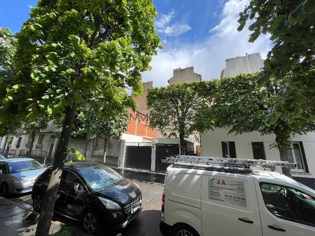 """Saint Ouen, quartier Michelet / Dr Bauer, dans rue arborée calme, magnifique souplex """"comme une maison"""""""
